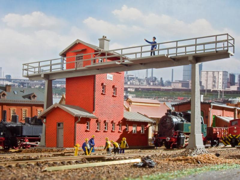 H0   Vollmer 45766 - Signal tower bridge Om