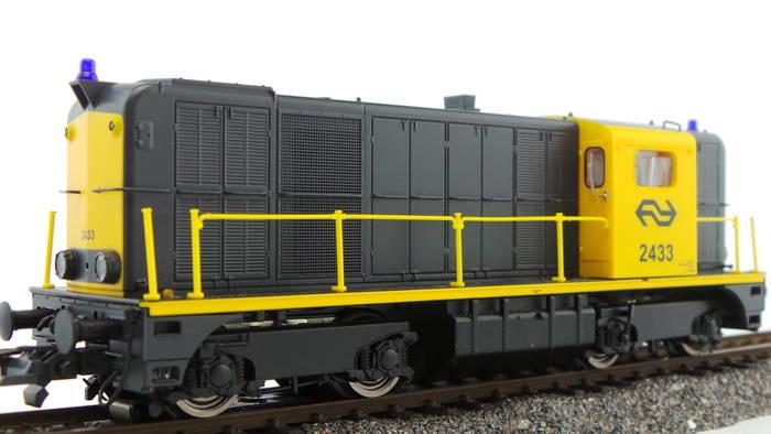 H0   Roco 68791 - NS, diesellocomotief  2433 (AC digitaal)