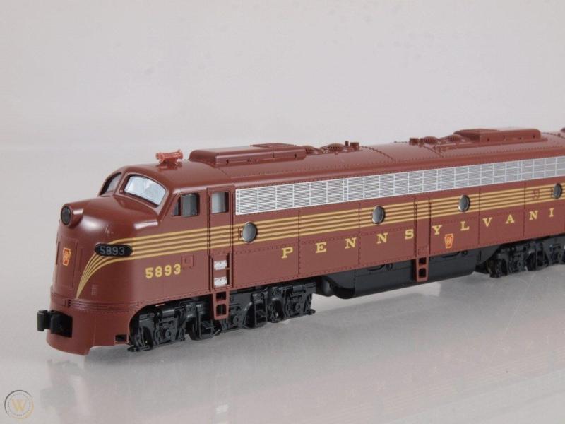 N | Kato 176-5310 - EMD E8/9A / PRR 5893