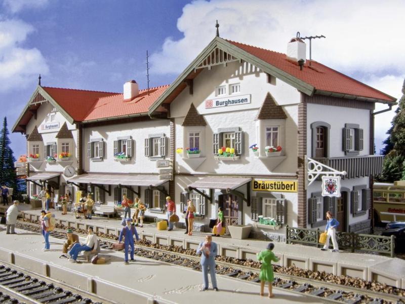 H0 | Vollmer 43522 - Station Burghausen