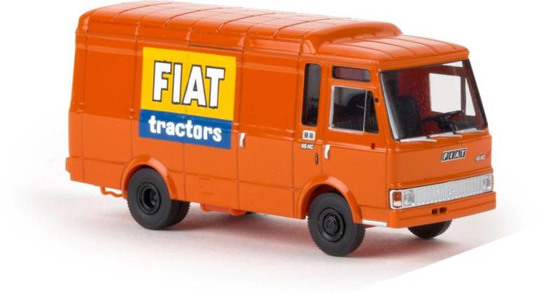"""H0   Brekina 34527 - Fiat Zeta box truck """"Fiat Tractor"""""""