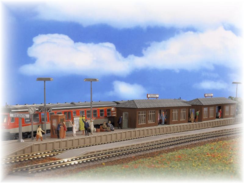 H0 | Vollmer 43550 - Platform Wiesental with two waiting halls