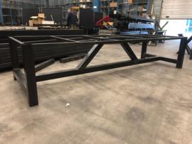 Stalen Klooster tafel frame