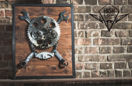 Highlow Bike Art Skull series: The Mechanic