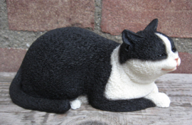 beeldje slapende kat 'cat nap' zwart-wit