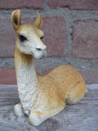 beeldje Lama liggend