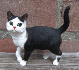 beeldje staande kat zwart-wit