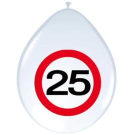 Ballonnen 25 jaar verkeersbord (30cm, 8 stuks)