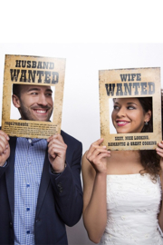 Funny props Husband/Wife Wanted (93059P)