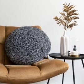 Yarn and Colors   Haakpakket   Dazzling Comfy Cushion