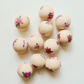 Houten kraal | Doll van Joyce | Roze bloemetjes