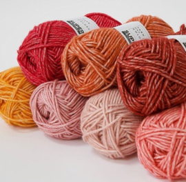 Yarn and Colors Super Charming 086 Peony Leaf