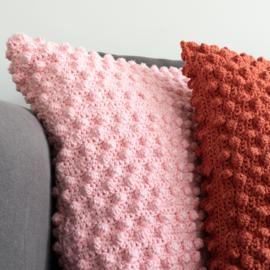 Yarn and Colors | Haakpakket | Bobbles Comfy Cushion