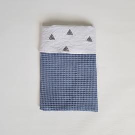 Deken Driehoek Wit/Grijs/Wafel Blauw