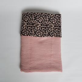 Wiegdeken Luipaard Beige (rozig) Zwart/Wafel Poederroze