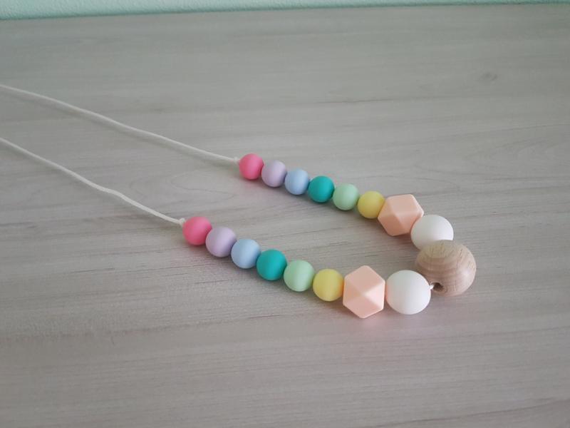 Bijt-/Voedingsketting Pastel Regenboog