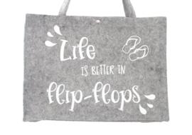 Vilten tas 'Life is better in flip-flops'