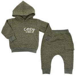 Hoodie pak | met zijvakje  - Cozy Vibes  (Verschillende kleuren)