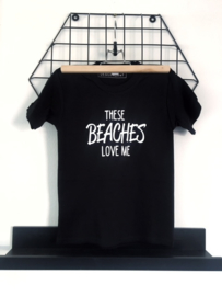 Zomer Shirt 'These beaches love me!'.