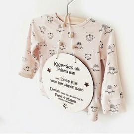Houten hanger ´kleertjes uit Pyjama aan´
