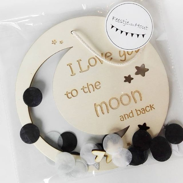 Houten hanger ´I Love You to the moon´