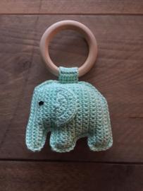 Gehaakte olifant rammelaar