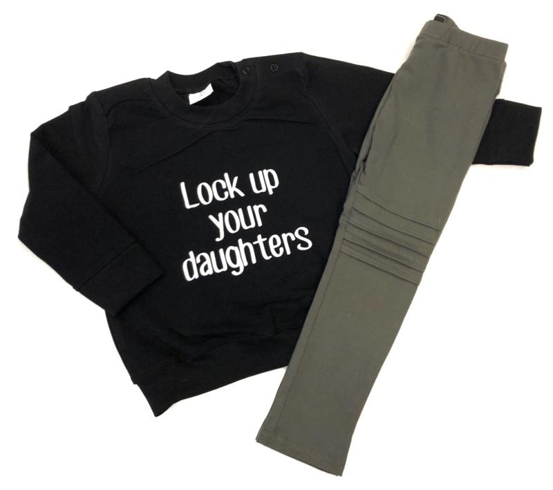 sweater lock up