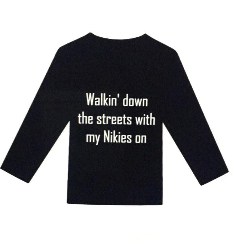 Shirt Walkin doen the streets