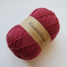530   Lichte aubergine, 100 gram wol uit Estland