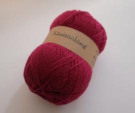 540   Wijn, 100 gram wol uit Estland
