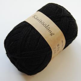 210 | Zwart, 100 gram wol uit Estland