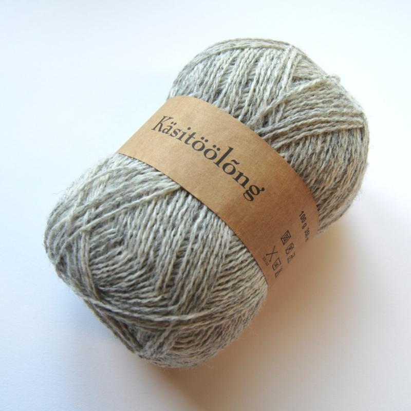 202   Zilver, 100 gram wol uit Estland