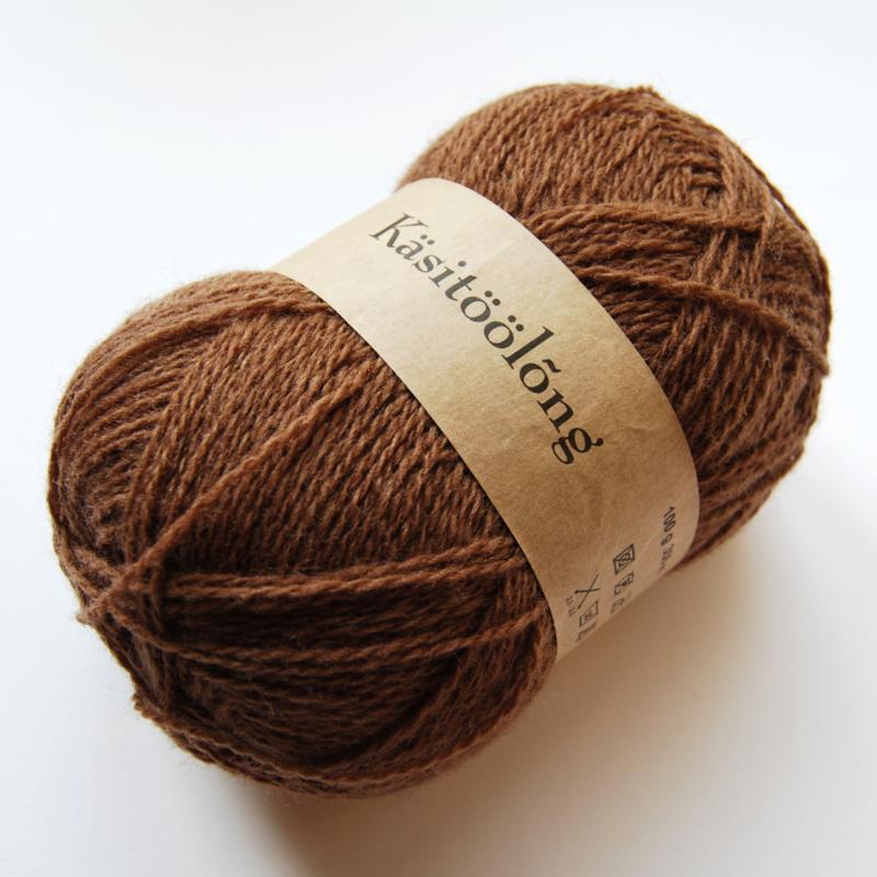 264 | Nog donkerder camel, 100 gram wol uit Estland
