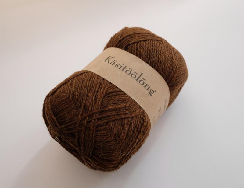 268 | Golden brown, 100 gram wol uit Estland