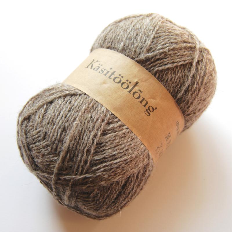 266   Warme middengrijs, 100 gram wol uit Estland