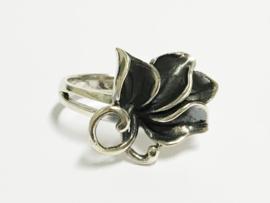 Zilveren Fantasie Ring - Bloem Blad