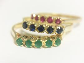 18 K Gouden Rijringen Set  -  Robijn Saffier Smaragd