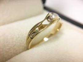 14 K Gouden Slagring 0.10 crt Briljantgeslepen Diamant H / VS1