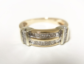 14 K Gouden Bandring ca 0.75 crt Prinses / Baguette Diamant H / SI