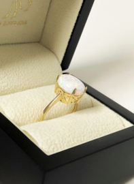 14 K Gouden Dames Ring Cabochon Opaal - Mt 18