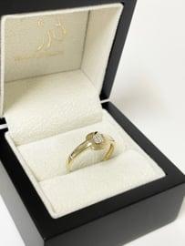 14 K Gouden Dames Ring ca 0.05 crt Briljant Geslepen Diamant