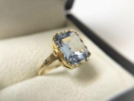 Antiek Gouden Dames Ring Emerald Geslepen Sky Blue Topaas