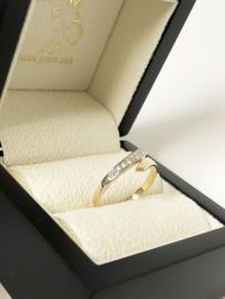 14 K Gouden Slagring 0.09 Crt Briljantgeslepen Diamant H / VS2