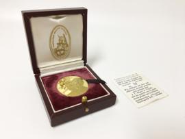21,6 K Gouden Penning Met Diamant - Huwelijk Prinses Margriet / P. van Vollenhoven