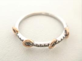14 K Witgouden Fantasie Ring 0.125 crt Briljantgeslepen Diamant