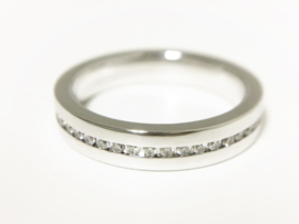 14 K Witgouden Band Rij Ring 0.23 crt Diamant VVS1