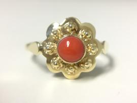 Antiek 14 K Gouden Rozet Ring Cabochon Geslepen Bloedkoraal