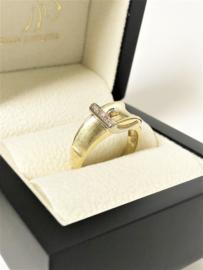 14 K Gouden Bandring Gesp 0.03 crt Briljantgeslepen Diamant