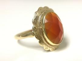 14 K Gouden Gravé Ring Facetgeslepen Carneool