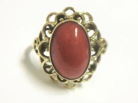 Antiek 14 K Gouden Ring Cabochon Geslepen Bloedkoraal
